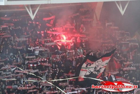Serie B, Bari-Verona 0-2, Hellas secondo da solo